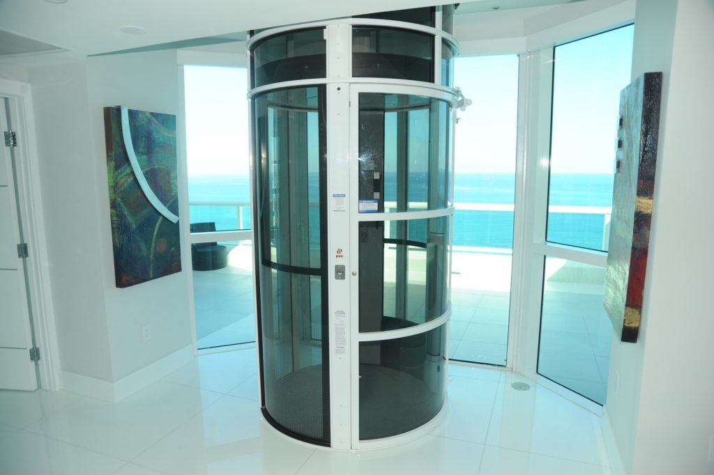 آسانسور پنوماتیکی